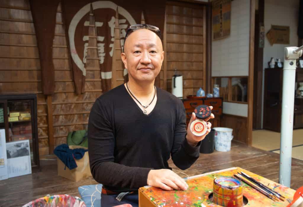 Syuraku Chikushi a master craftsman and artist in Hakata.