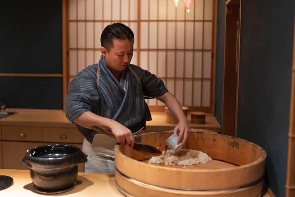 Chef Gyoten makes sushi rice in Sushi Gyoten in Fukuoka City.