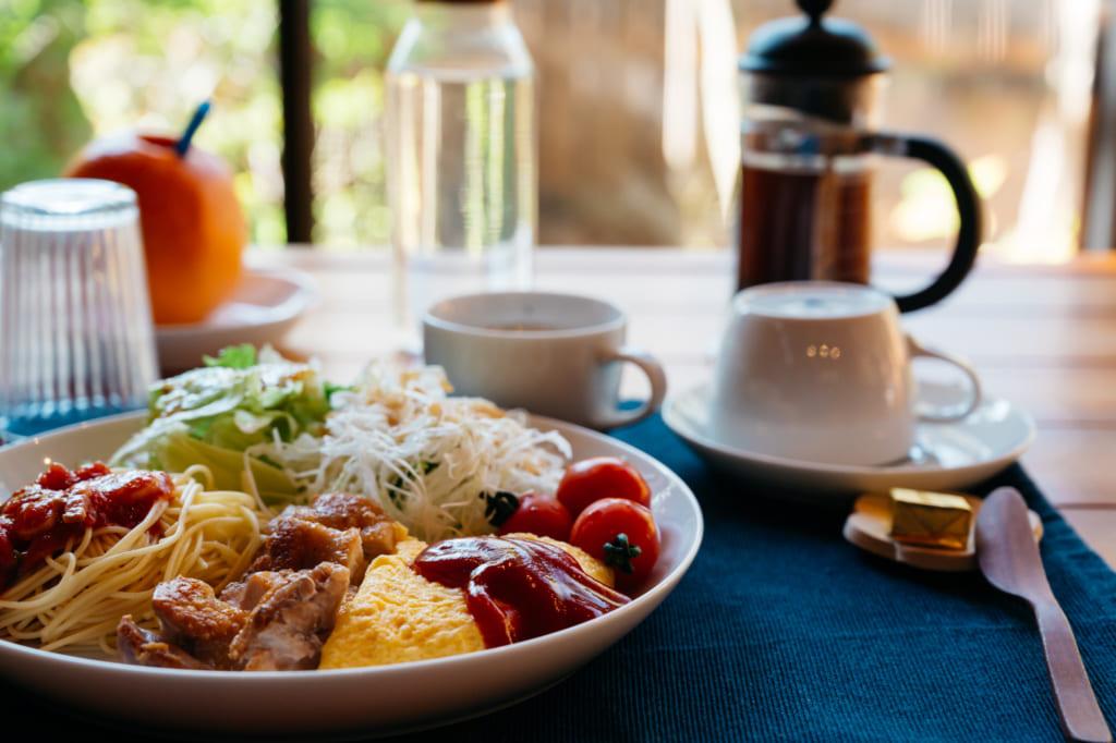 Le petit déjeuner, servi au Zenzo Ryokan à Waita Onsen Kumamoto