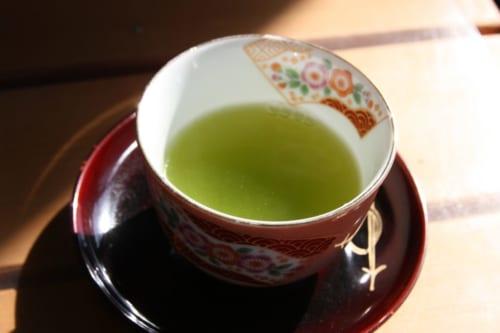 Genießen Sie Ihren grünen Tee vor Ort.