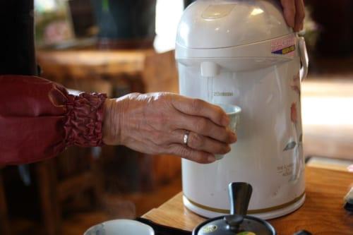 Heißes Wasser zum Aufbrühen des Tees.