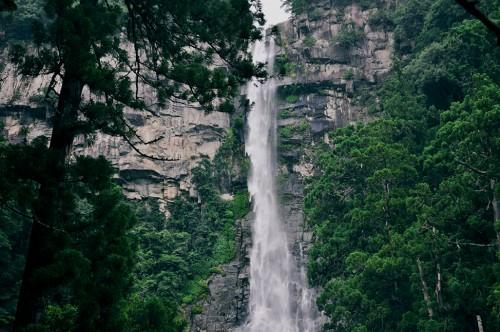 La cascada de Nachi de 133 metros de altura, es la tercera más alta de Japón.