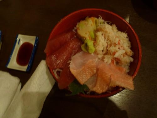 Cercano al Castillo de odawara se pueden encontrar muchos restaurantes con fresca comida del mar.