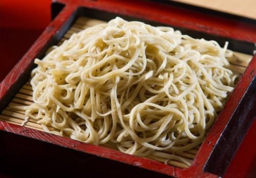 Fideos japoneses soba, perfecto para vegetarianos