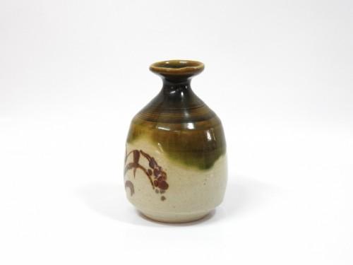 Jarra para el té de cerámica japonesa.