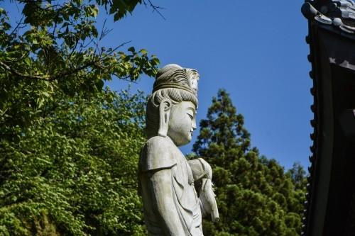 Estatua del templo Ryukouin de Murakami.