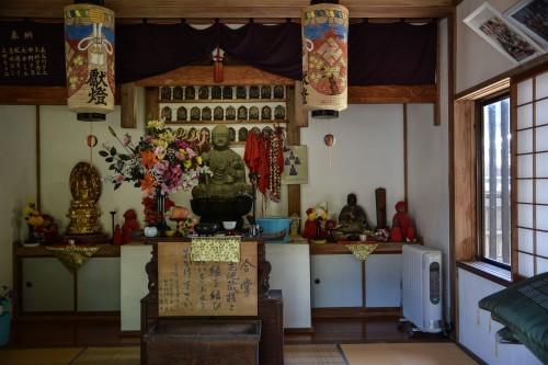 Interior de un templo de Murakami.