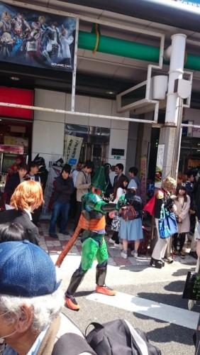 Cell de Dragon Ball en el festival de cosplay de Osaka.