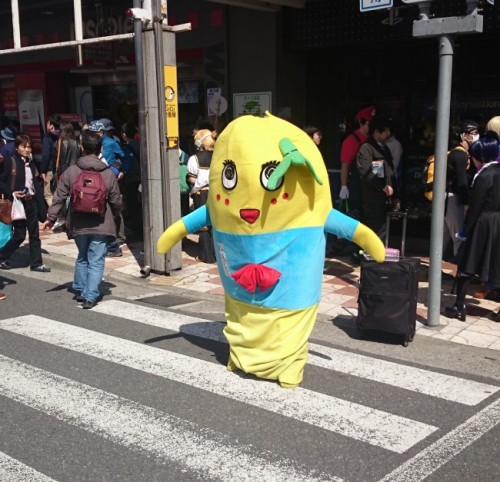 Funassyi en el festival de cosplay de Osaka.