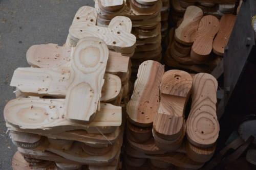 Suelas de madera de los zapatos geta.