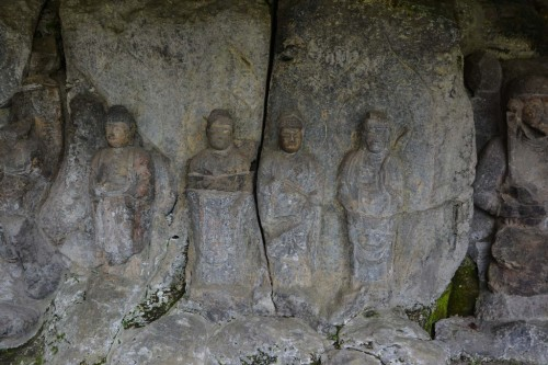 Budas en piedra de Usuki.