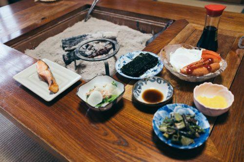 Desayuno en Minshuku Zaigomon.