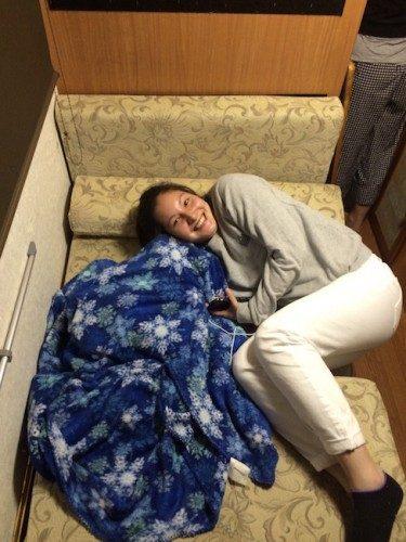 Durmiendo en una caravana.