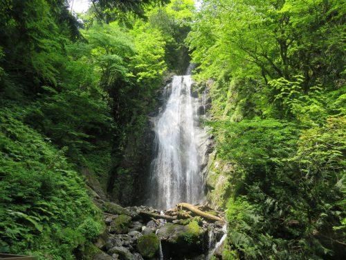 Cascada Mikaeri , Semboku, Akita.