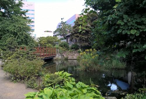 Espaces découvertes du jardin botanique de Sapporo, Hokkaido, Japon.