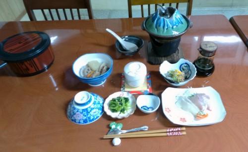Délicieux dîner au ryokan Shin Tsurumi Tei, Izumi, Kyushu, Japon.
