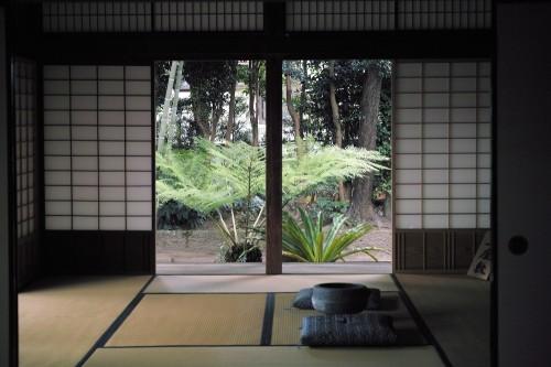 Pièce dédiée à la cérémonie du thé en kimono, Izumi, Kyushu, Japon.