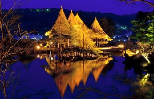Le jardin Kenrokuen à Kanazawa, un des plus beaux jardins japonais du Japon