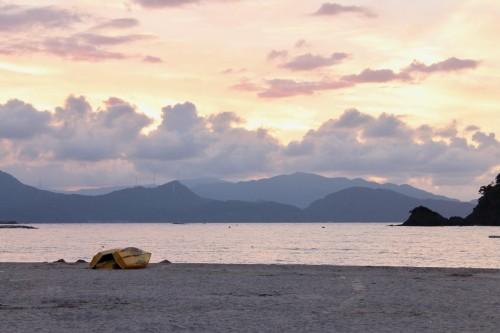 Le coucher de soleil sur la plage Wakasa Wada