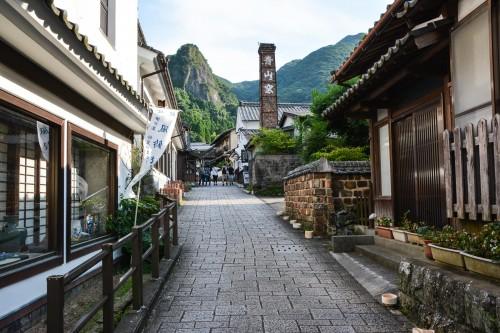 Le village de potiers d'Okawachiyama tout près d'Imari dans la préfécture de Saga et la belle ruelle