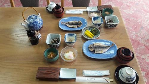 Iwamotorou Ryokan, le ryokan de plus de 700 ans à Enoshima avec le petit déjeuner traditionnel japonais