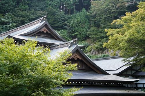 Toit de temple à Futago-ji, dans la région Rokugo Manzan située dans la péninsule de Kunisaki, Oita, Kyushu