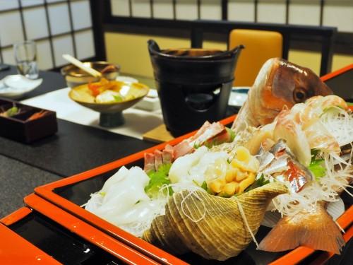Buri, sashimi, poisson, cuisine japonaise, himi, toyama, hashimotoya