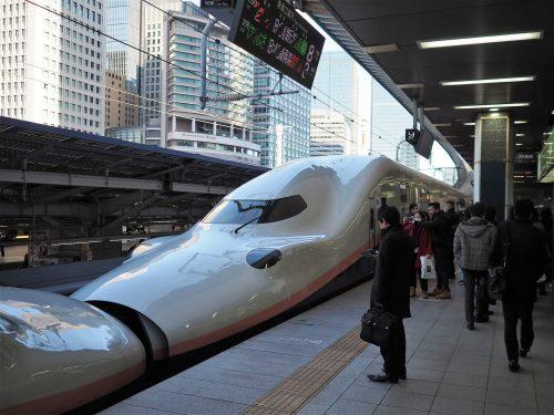 Le Joetsu Shinkansen à Tokyo.