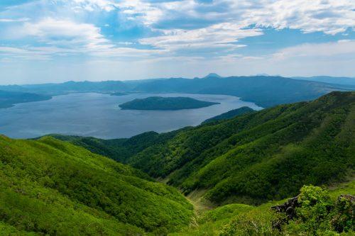 Vue sur le Lac Kussharo depuis le Mt. Mokoto à Koshimizu, Hokkaido, Japon