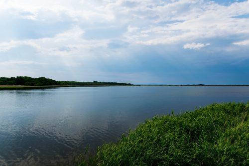 Le lac Tofutsu à Koshimizu-cho, Hokkaido, Japon