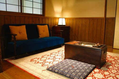 Chambre du Ryokan Sanso-Tensui à Amagase Onsen dans la préfecture d'Oita, Kyushu, Japon