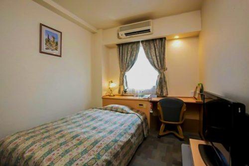 Une chambre du Plaza Hotel Sakae à Nakatsugawa, préfecture de Gifu, Japon