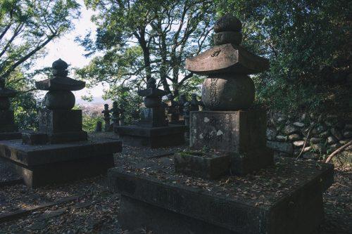 Cimetière du Temple Ganjoji à Hitoyoshi, préfecture de Kumamoto, Kyushu, Japon