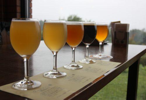 Bières artisanales servies au Bierhof Gambarius au pied du Mt Daisen, préfecture de Tottori, Japon