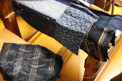 Carrés de tissu Yumihama-gasuri, à Yonago, préfecture de Tottori, Japon