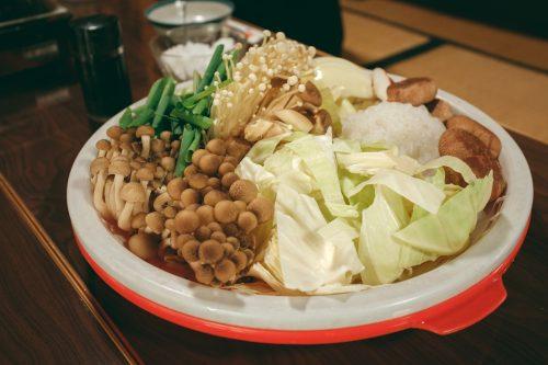 Partager un repas avec des locaux de la préfecture de Shiga, tout près de Kyoto, Japon