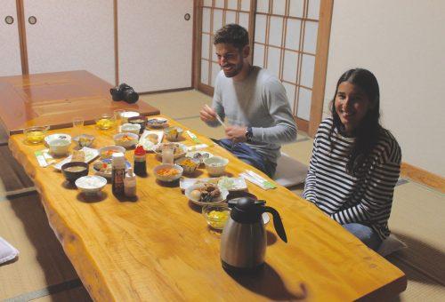 Rencontres lors d'un séjour en minshuku près de Murakami, préfecture de Niigata, Japon