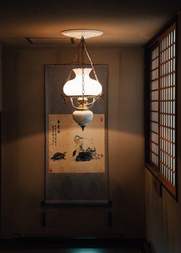 Décoration traditionnelle à l'intérieur d'un ryokan de Nyuto Onsen, Akita, Japon