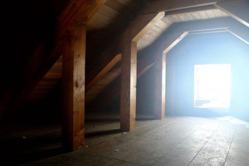 Asahidake, Hokkaido : l'intérieur des combles du refuge