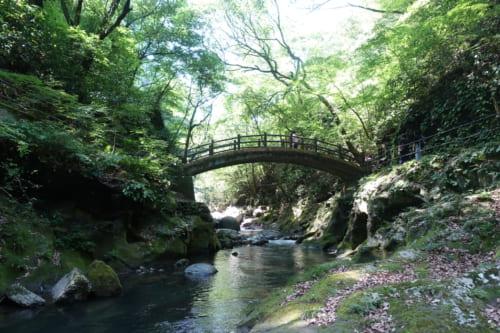 La rivière Iwato, près du sanctuaire Amanoiwato à Takachiho, Miyazaki, Kyushu