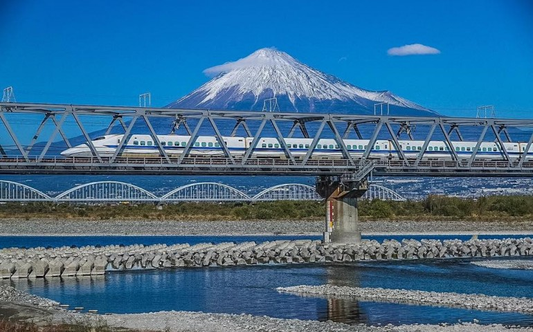 Enjoy Japan travel on budget!