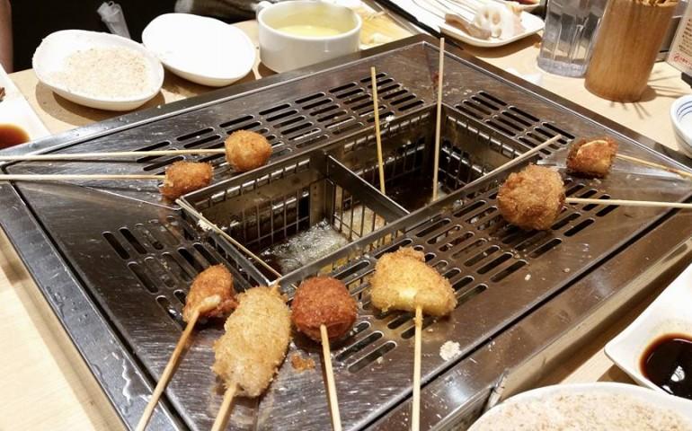 kushikatsu,osaka,fried,food
