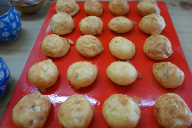 Izumiya (泉屋) akashiyaki takoyaki dumplings