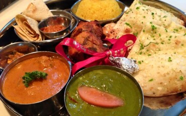 Nepalese,Indian,food,naan,curry