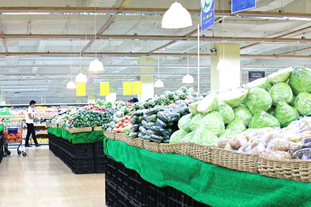 At grocery stores,you're able buy seasonable food at good price in order to economize
