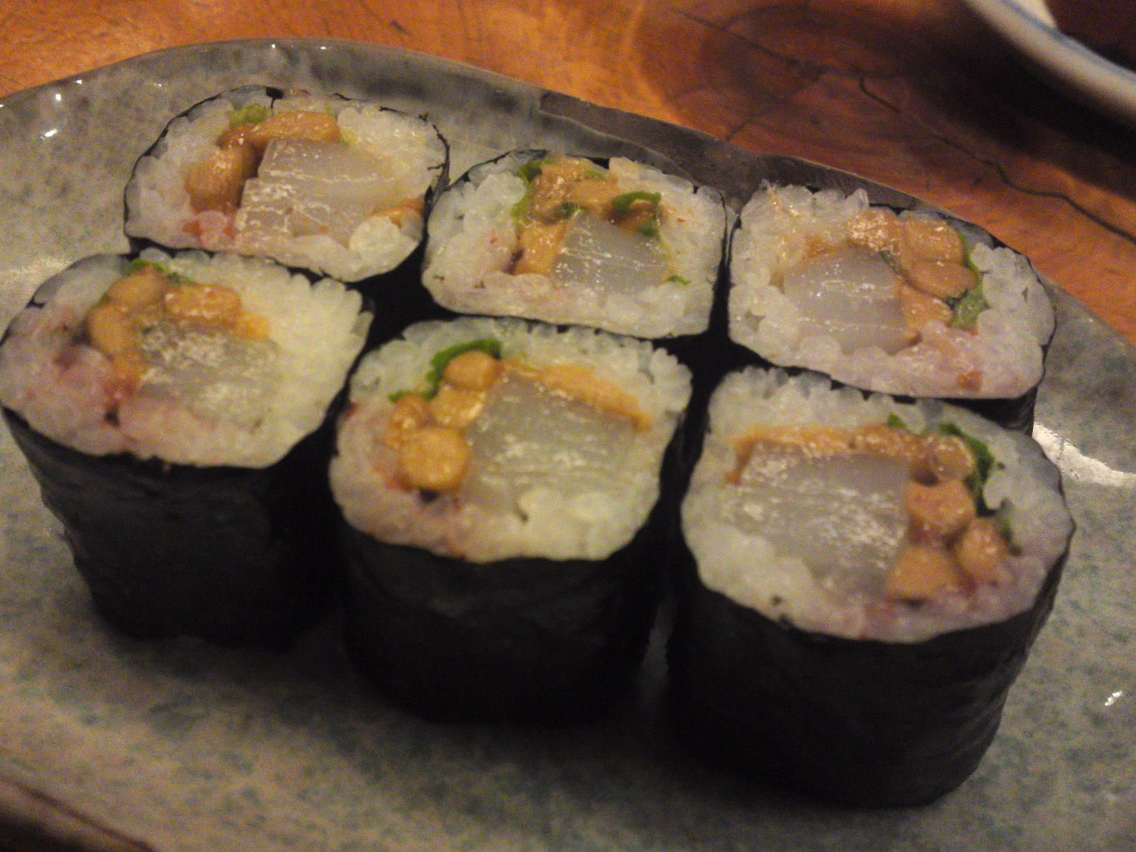 """Natto/Fermented beans and Ika/Cuttlefish"" thin sushi roll"