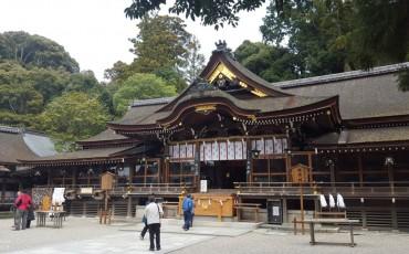 shinto,shrine,omiwa,nara,forest