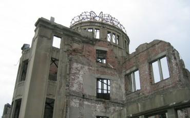 history,memorial,hiroshima,atomic bomb,park,peace,war,origami