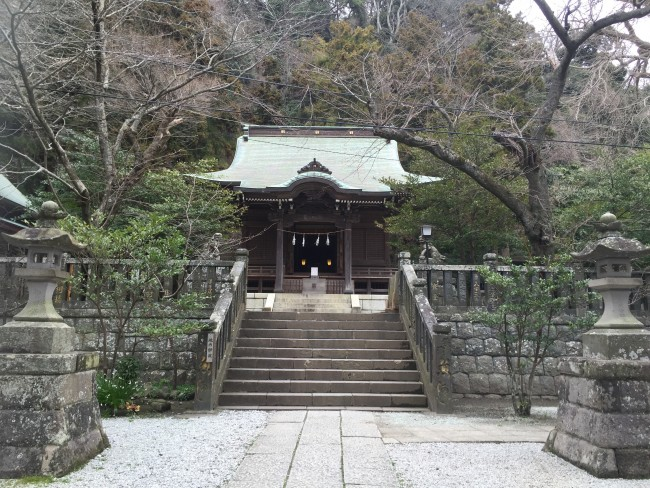 Goryo Shrine, one relaxing Shinto sacred place among the shrine and temple multitude, nearby Hasedera Temple, Kamakura