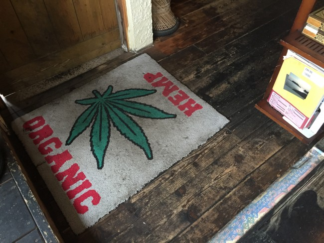 Entry to Magokoro cafe, celebrating vegan ingredient hemp, Kamakura